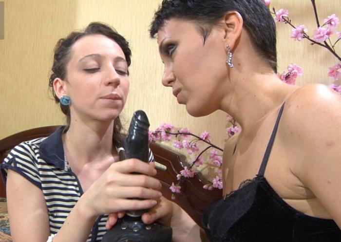 FerroNetwork/KissMatures: g596 - Viola, Molly [2020] (HD 720p)