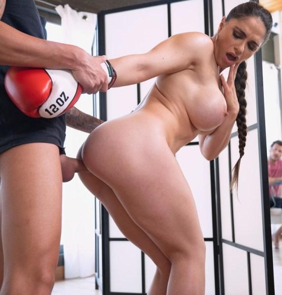 Marta La Croft - Trainer Works Her Titties Out