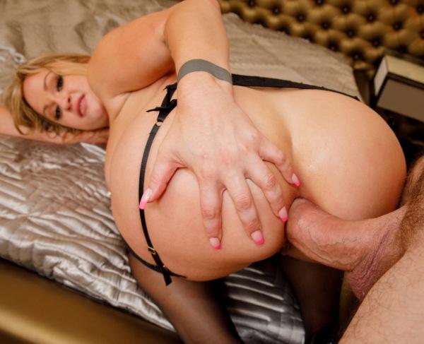 Katalina Kyle - Big Booty Katalina Kyle Makes Her Anal Debut With Manuel Ferrara 720p
