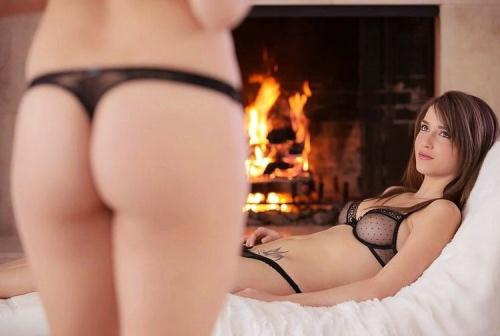 Malena Morgan, Lily Love - Cum squat (FullHD)