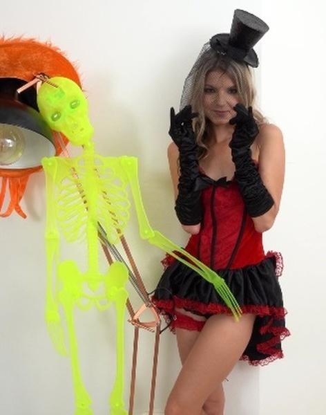 Gina Gerson - Burlesque Beauty 1080p