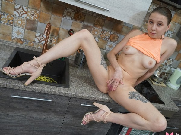 Julia Nikitina - Smacks Pussy In The Kitchen 1080p
