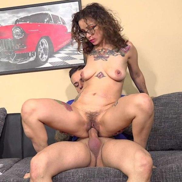 Jack 23, Natasha Ink - Hairy amateur Italian milf 1080p