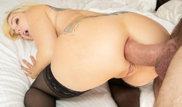 Christie Stevens - MILF Superslut Christie Stevens Asks Manuel To Pound Her Horny Asshole