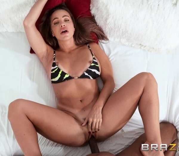Abigail Mac - Big Tits Try On Haul