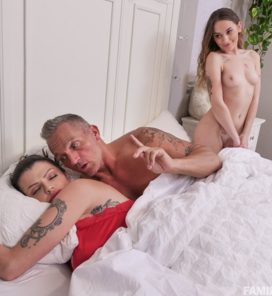 Joslyn James, Sera Ryder - Reunited