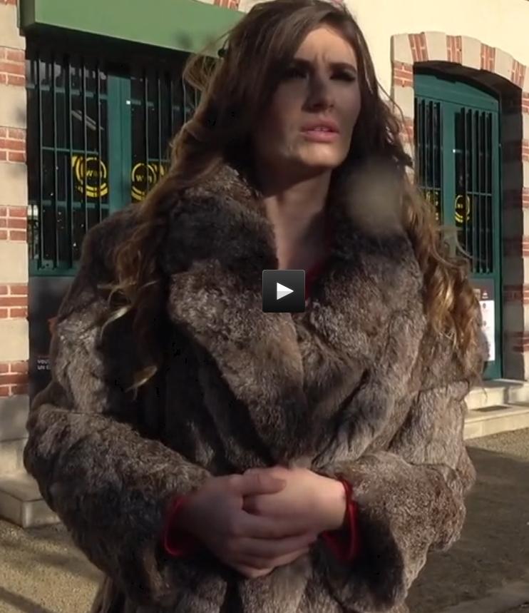 JacquieEtMichelTV/Indecentes: Candice, Alba - Voisines [HD 720p] (Threesome)