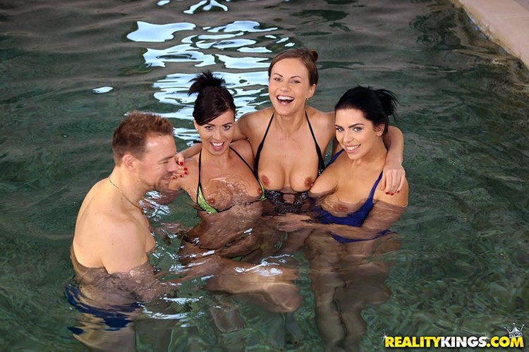 Tina Kay, Kira Queen, Vicky Love - Horny Models Pool Party (Group) - EuroSexParties/RealityKings [HD 720p]