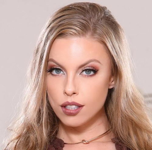 Britney Amber - Sexy Real Estate Agent Fucks For Sales (HD)